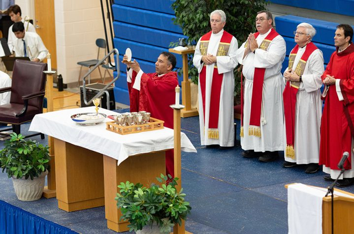 Father Storey, CSB celebrates Mass at Detroit Catholic Central