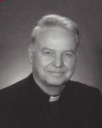 Father Owen Lee Headshot